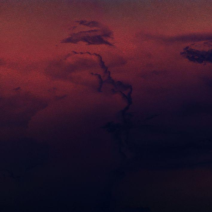 baskılı fon perde bordo ve mor bulut desenli