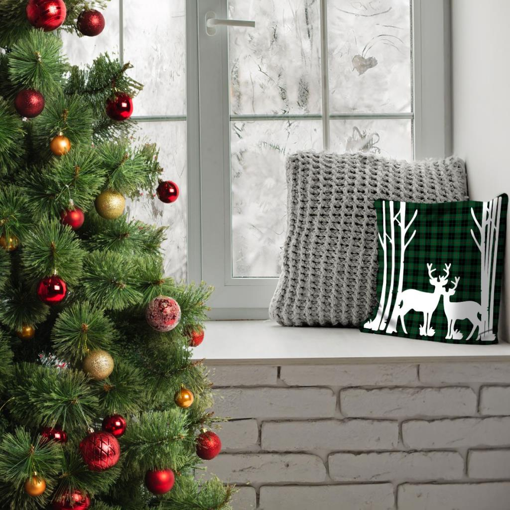 baskılı kırlent kılıfı yeşil siyah kırmızı ekose üzerine geyik desenli